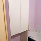 Шкаф пенал в ванной