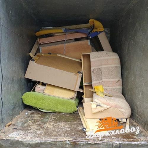 Вывоз старой мебели машиной по 8 кубов