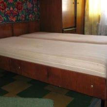 Вывоз старой мебели на утилизацию кровать двухспальная